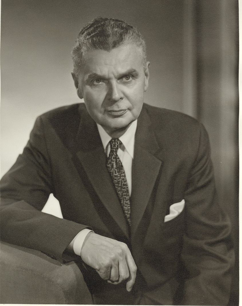 john diefenbaker English: the john g diefenbaker building is located on green island in the rideau river, facing sussex avenue designed by john bland of the firm of rother, bland.